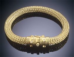 Classic Bracelet 18K Gold, Diamonds